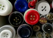 Botones coloreados de diversos tamaños Fotografía de archivo libre de regalías
