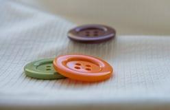 Botones coloreados grandes foto de archivo libre de regalías