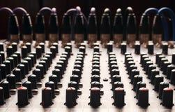 Botones de una mezcladora de audio del estudio Imagen de archivo libre de regalías