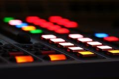 Botones del LCD en la consola de la mezcla Foto de archivo