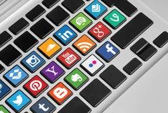 Botones del teclado con los medios iconos sociales Imagenes de archivo