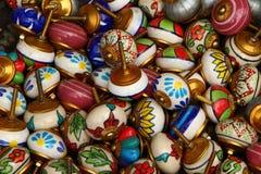 Botones del tirón del cajón Manijas de los muebles de la porcelana Imagen de archivo