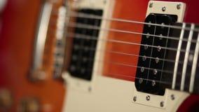 Botones del tono y volumen de guitarra eléctrica almacen de video
