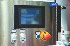 Botones para cambiar por intervalos el equipo eléctrico industrial fotografía de archivo