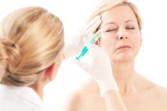 Botox - edad y belleza Imágenes de archivo libres de regalías