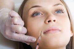 Botox ou injection d'acide hyaluronique Photo libre de droits