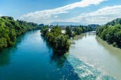 In botsing komende Rivieren in Genève Stock Afbeeldingen