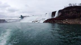 Botten av Niagara Falls Royaltyfria Bilder