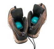 Bottes de marche du ` s d'hommes avec le dessiccateur de chaussures, vue arrière photo stock