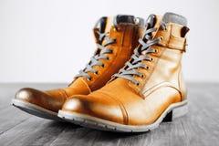 Bottes du ` s d'hommes de mode de chaussures toujours la vie à la mode Image stock