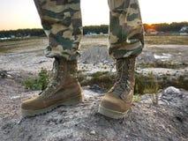 Bottes militaires pour les hommes Sont employ?s pour les forces militaires et sp?ciales d'?quipement details photo stock