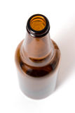 Bottiglia da birra di Brown su fondo bianco Immagini Stock Libere da Diritti