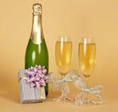 Bottiglia dei vetri di vino e del champagne Fotografie Stock