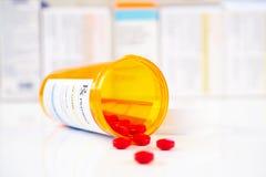 Bottiglia del farmaco da vendere su ricetta medica di RX Fotografia Stock