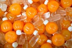Bottiglia del succo di arancia immagini stock