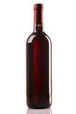 Bottiglia del vino rosso isolata su priorità bassa bianca Immagine Stock