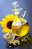 Bottiglia dell'olio di girasole Fotografie Stock