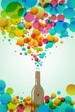 Bottiglia della cola con le bolle variopinte Fotografia Stock
