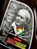 Bottiglia della marca Arnold Palmer Lite Half dell'Arizona & della metà sul contesto nero immagine stock libera da diritti