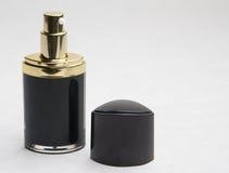 Bottiglia della pompa per la crema di fronte Fotografia Stock