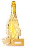 Bottiglia della scheda dell'invito di cerimonia nuziale e del champagne Fotografia Stock Libera da Diritti