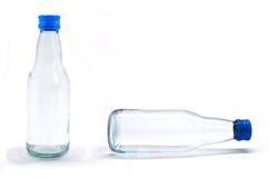Bottiglia di acqua della soda con il contrassegno in bianco. Isolato su wh Immagine Stock