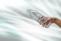 Bottiglia di acqua di plastica Immagini Stock