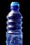 Bottiglia di acqua fredda di forma fisica Fotografia Stock