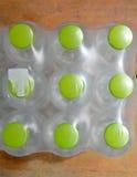 Bottiglia di acqua verde del cappuccio Fotografie Stock Libere da Diritti