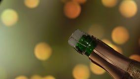Bottiglia di Champagne Aspetti per essere aperto Fondo di lampeggiamento di festa archivi video