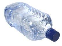 Bottiglia di plastica con acqua Fotografie Stock Libere da Diritti