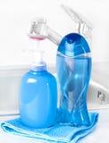 Bottiglia di plastica con sapone liquido fotografia stock