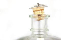 Bottiglia di vetro in bianco con il tappo del sughero Fotografie Stock