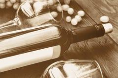 Bottiglia di vino bianco thanksgiving Immagine tonificata Immagine Stock Libera da Diritti