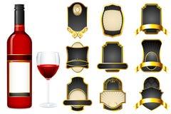 Bottiglia di vino con il contrassegno in bianco differente illustrazione di stock