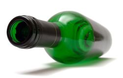 Bottiglia di vino di menzogne vuota Fotografie Stock