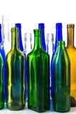 Bottiglia di vino differente di colore su fondo bianco Immagine Stock Libera da Diritti