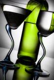 Bottiglia di vino e di due vetri Immagine Stock Libera da Diritti