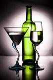 Bottiglia di vino e di due vetri Fotografia Stock
