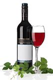 Bottiglia di vino rosso con il vetro di vino Immagini Stock Libere da Diritti