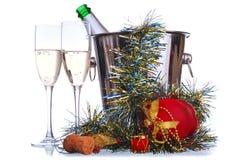 Bottiglia e bicchieri di vino di Champagne Fotografie Stock Libere da Diritti