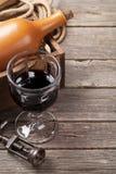 Bottiglia e vetro del vino rosso Immagine Stock