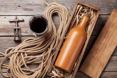 Bottiglia e vetro del vino rosso Fotografia Stock Libera da Diritti