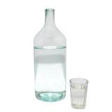 Bottiglia e vetro trasparenti. fotografia stock