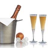 Bottiglia elegante di Champagne per il partito di nuovi anni fotografie stock