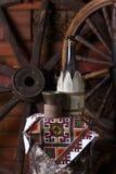 Bottiglia tradizionale di vino Fotografie Stock Libere da Diritti