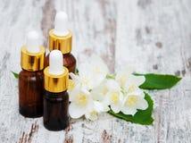 Bottiglie con gli oli di massaggio Immagini Stock Libere da Diritti
