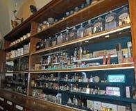Bottiglie d'annata delle medicine Immagini Stock