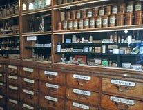 Bottiglie d'annata delle medicine Immagini Stock Libere da Diritti