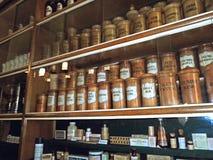 Bottiglie d'annata delle medicine Fotografia Stock